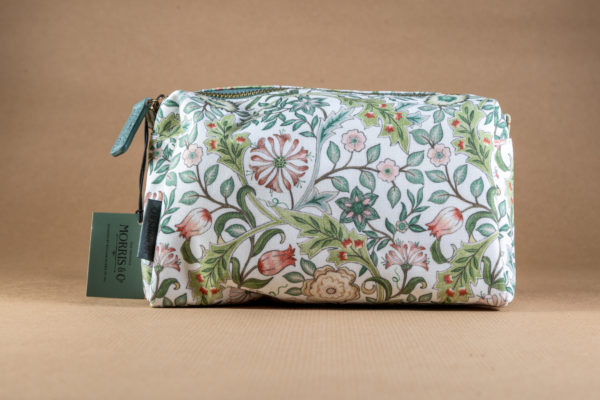 Morris and Co wash bag - jasmine and green tea